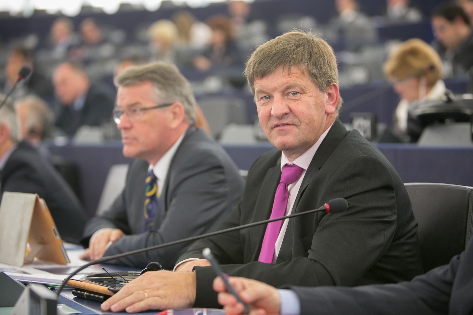 14-10-21 Bogovic portrait STR-6_VIR_Evropski_parlament